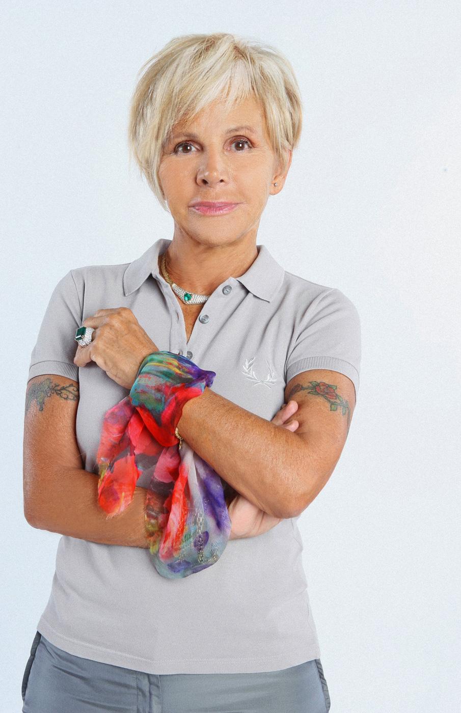 """ANNA MOLINARI TESTIMONIAL DELLA CAMPAGNA DI PREVENZIONE DEI TUMORI FEMMINILI """"OTTOBRE ROSA"""""""