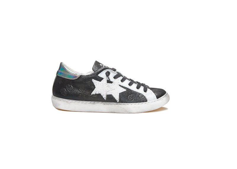 BLACK, WHITE ANS SILVER LOW SNEAKERS