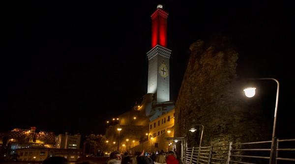 LED – Lanterna E DINTORNI – SLAM LIGHTS UP THE Lighthouse of genoa