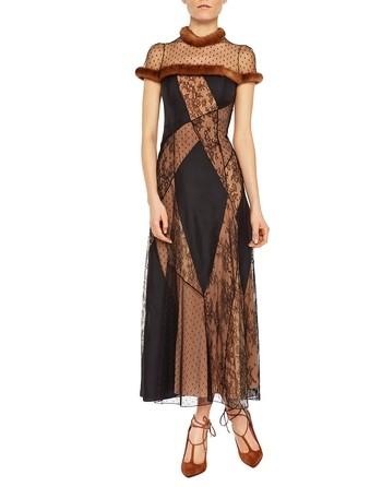 Vestido Largo De Encaje Y Seda Con Visón