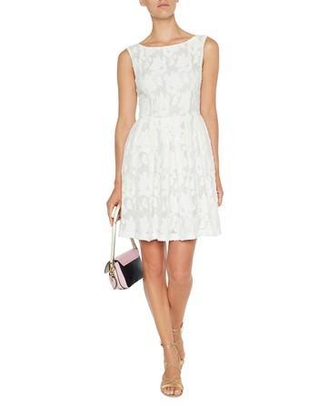 Кружевное платье с цветочным мотивом