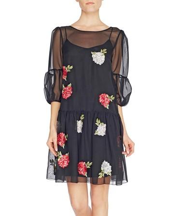 Vestido De Chiffon Con Bordado De Rosas
