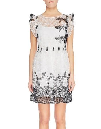 Платье в стиле «бэби-долл» с вышитыми ромашками