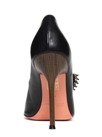 Zapato De Salón De Piel Con Botón De Pedrería