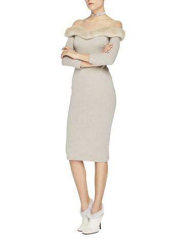 Трикотажное платье с норкой
