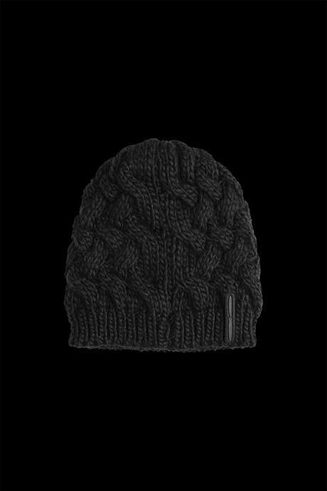 Woman's tricot hat