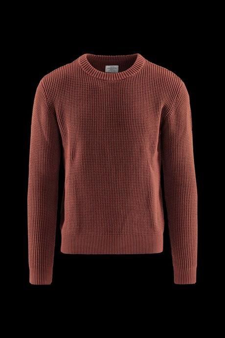 Man's round neck sweater