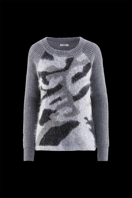 Woman's sweater, jacquard inserts and camouflage print