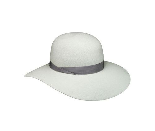 Velour Violet hat