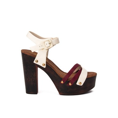 Clogs interweaving and lateral studs – Swish