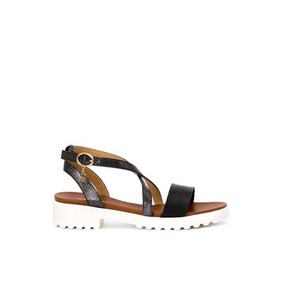 Flatform Sandals with pendant – Swish