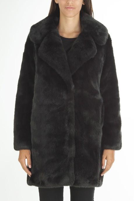 Woman's faux  fur reversible coat
