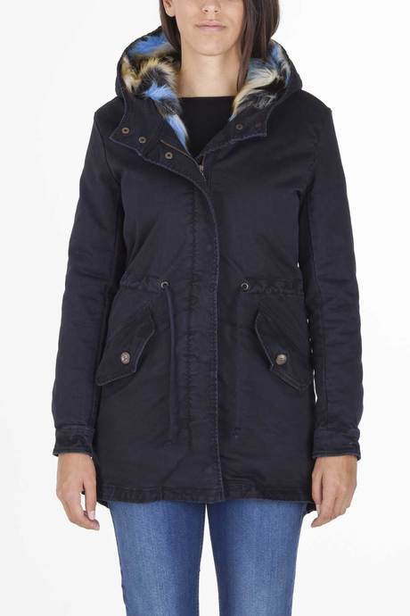 Woman's parka with detachable interior in faux fur