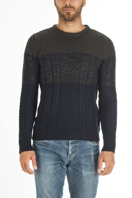 Man's round neck sweater, dyed bicolor