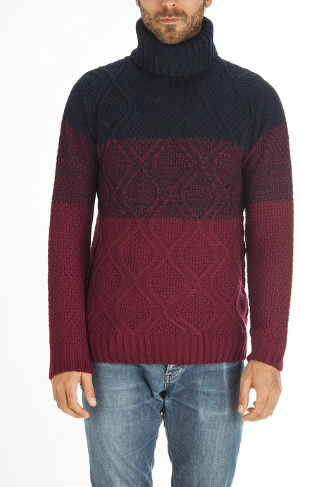 Man's braided roundneck sweater