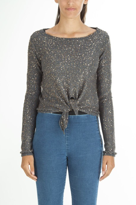 Woman's knitted jersey with paillettes