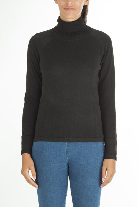 Woman's knitted lurex high collar sweater