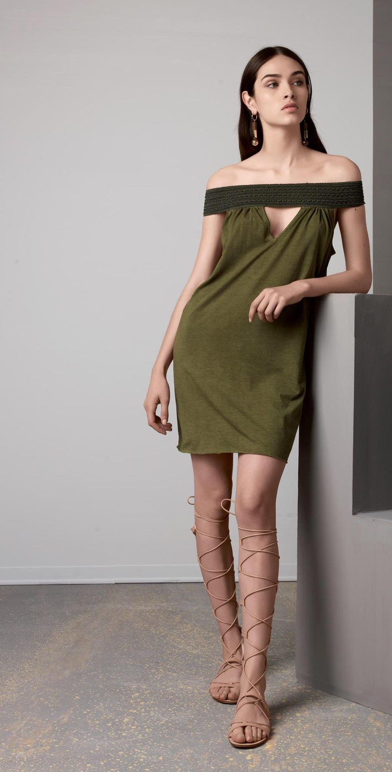 Olive humeral neckline dress