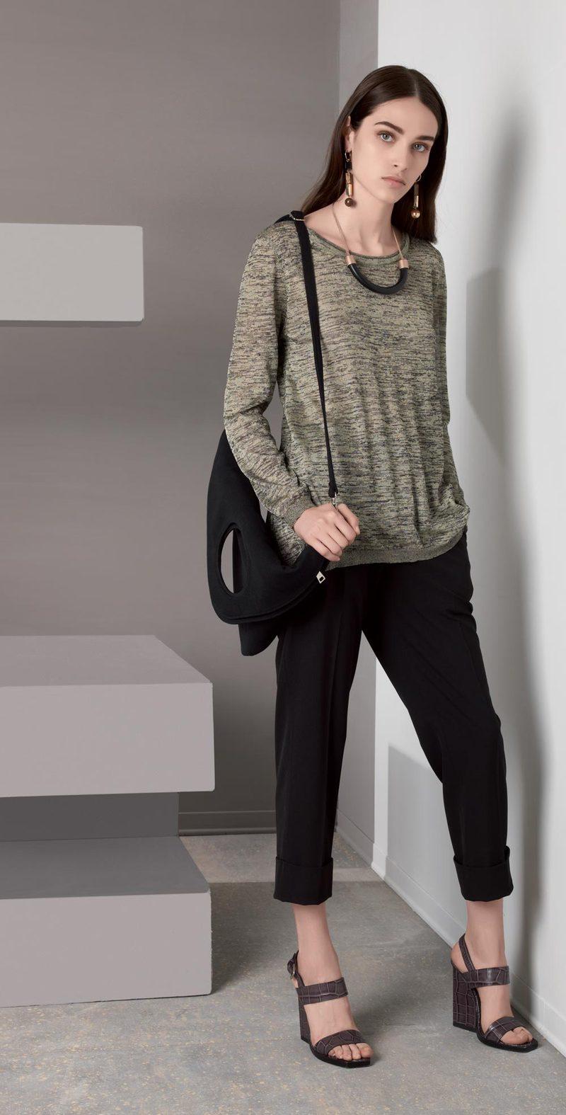 Pantalone nero con piega
