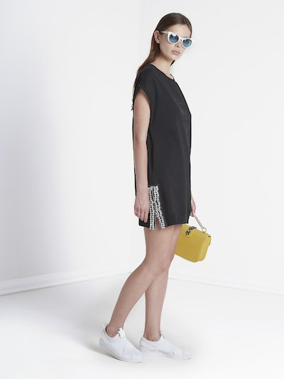 Dress with zip and bottom elastic