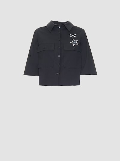 Short shirt with military patches