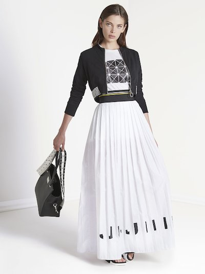 Long pleated  skirt with Jijil print