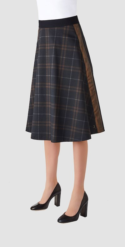 Skirt with side bands