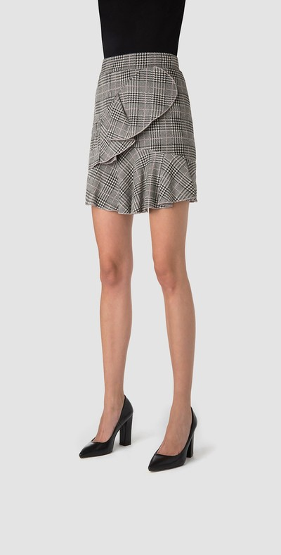Short skirt with volants
