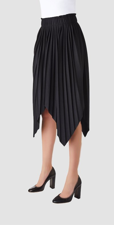 Black skirt with tips