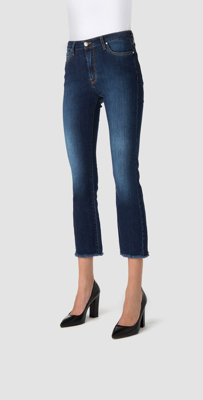 Jeans capri sfrangiati blu scuro