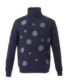 Turtleneck with dots