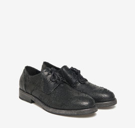 Derby carved leather shoes