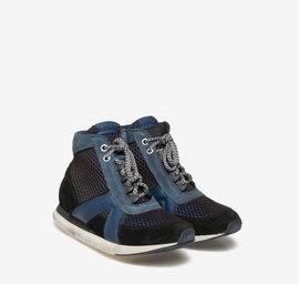 Polish network patterned running shoe