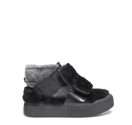 Humvee<br />Sheepskin ankle boots with double velcro