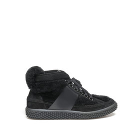 Woobie<br />Sheepskin sneaker with leather detailing