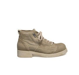Frank<br />Mud-coloured canvas boot with rubber sole