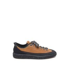 Woobie Climb<br />Schuh aus lederfarbigem Spaltleder und gummiertem Gewebe