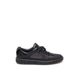 Woobie<br />Schuh aus schwarzem Kalbsleder und Spaltleder in Camouflageoptik