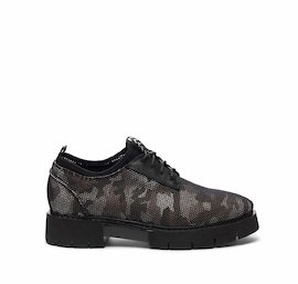 Amtrac shoe in camouflage mesh