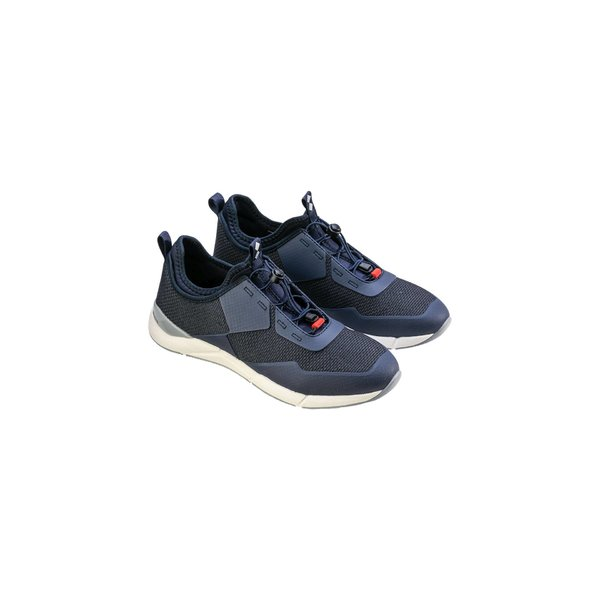 Win-D Technical Shoe with no-marking sole