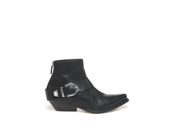 Ankle boot with maxi buckle