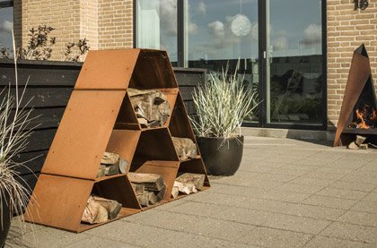Outdoor Log Stores