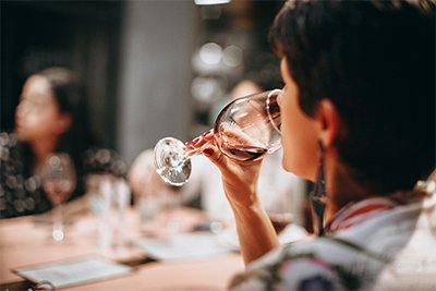 How to taste wine, the ultimate guide