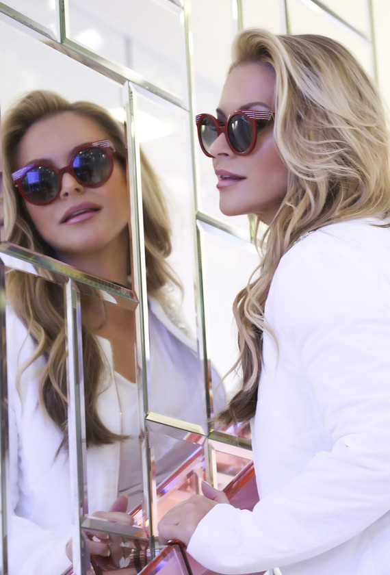 ANASTACIA CREA UNA CAPSULE COLLECTION PER BLUMARINE EYEWEAR