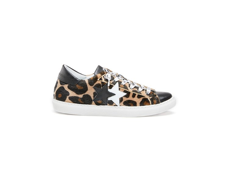 BLACK SPOTTED LOW SNEAKERS
