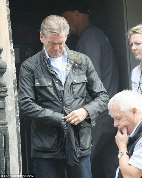 Pierce Brosnan <br> Buckling up in my 'Noel' Men's driving glove