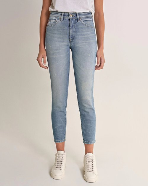 Push In Secret Glamour Capri Jeans - Bleach