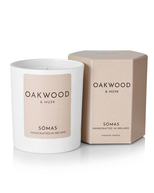 Oakwood and Musk Scented Soy Candle