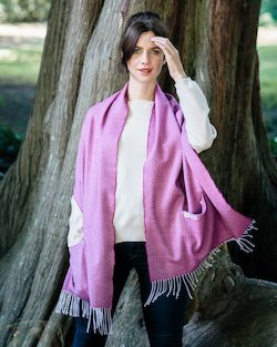 Merino Wool Pocket Wrap in Wine