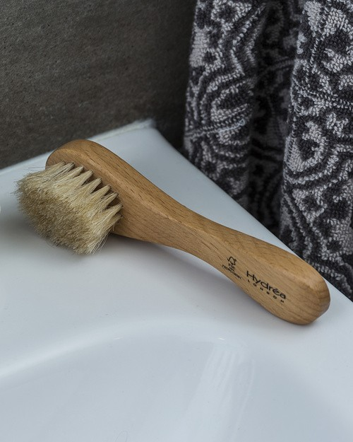 Hydrea Wooden Facial Brush